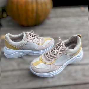 Call It Spring The Willoww Sneakers Size 9.
